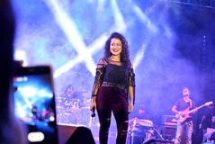 Paparazziögonblick för sångaren/Youtuber Neha Kakkar Royaltyfri Bild