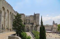 Papas Palácio e plaza pública, local do patrimônio mundial do UNESCO, Avignon, França imagem de stock