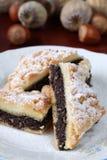 Papaver sead en de cake van de hazelnootkruimeltaart Stock Foto