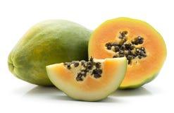 Papaya που απομονώνεται πράσινο Στοκ Εικόνες