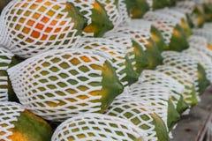 Papaya στην αγορά Στοκ Εικόνες