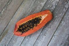 Papaya σχεδόν σάπιο Στοκ Εικόνες