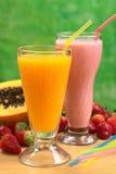 papaya χυμού milkshake φράουλα Στοκ εικόνα με δικαίωμα ελεύθερης χρήσης