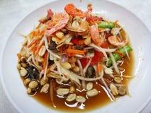 Papaya f?r Thailand kryddig sallad f?r favorit- menysomtum arkivbilder