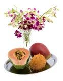 Papaya, Mangofrucht, Kiwano, Orchidee stockfoto