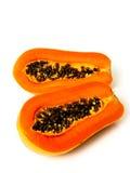 Papayafrucht geschnitten auf Hälfte Lizenzfreie Stockfotos