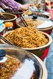 Papayaknipor och olikt av knipor tjänade som på den stora vaten arkivbild