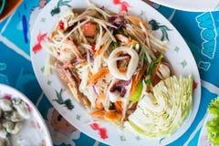 Papayasalat mit Meeresfrüchten Stockfotografie