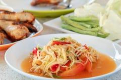 Papayasallad, thailändsk mat royaltyfria bilder