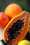 Papaye orange avec les graines noires Photographie stock libre de droits