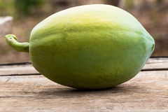 Papaye verte photos libres de droits