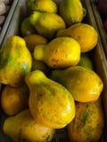 Papayes jaunes Photo libre de droits