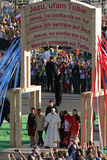 Pape 2016 de jour de la jeunesse du monde Francis avec les jeunes photos libres de droits