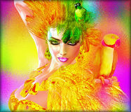 Papegojor på sexiga kvinnas skuldror med gräsplan- och gulingfjädrar Modern abstrakt skönhet och modeplats Fotografering för Bildbyråer
