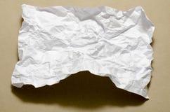 Papel arrugado blanco del tamaño A4 Imagen de archivo