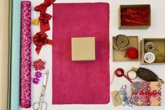 Papel, caixas e fitas de envolvimento Foto de Stock Royalty Free