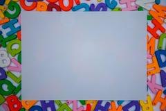 papel colocado en bloques del alfabeto foto de archivo libre de regalías