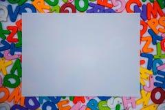 papel colocado en bloques del alfabeto fotos de archivo libres de regalías