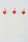 Papel com pinos coração-dados forma Imagem de Stock
