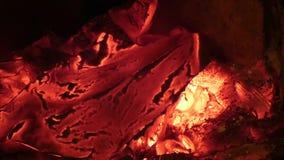 Papel con el título quema 'de alto secreto 'en fuego almacen de video