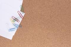 Papel con los clips de papel Imagen de archivo