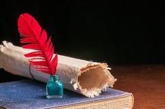 Papel da pena e do papiro Foto de Stock Royalty Free