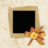 Papel de la vendimia con las flores Fotografía de archivo libre de regalías