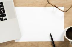 Papel de nota branco vazio Foto de Stock Royalty Free