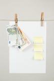 Papel de nota de la memoria con los dineros euro Imagen de archivo