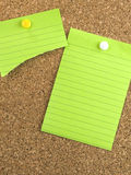 Papel de nota verde Imagenes de archivo