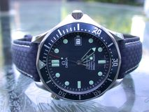 Papel de parede do relógio de Seamaster 007 da ômega Imagens de Stock Royalty Free