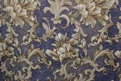Papel de parede floral do fundo na parede Imagens de Stock Royalty Free