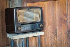 Papel de parede retro de rádio velho fotografia de stock