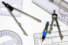 Papel de traçado e réguas técnicos, compassos de calibre Fotos de Stock Royalty Free