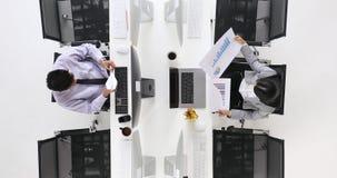 Papel del cohete del juego del hombre de negocios almacen de metraje de vídeo