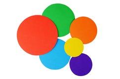 Papel del color de los círculos aislado en blanco Foto de archivo