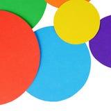 Papel del color de los círculos aislado en blanco Imágenes de archivo libres de regalías