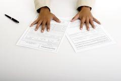 Papel del contrato imagen de archivo