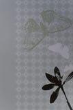 Papel del libro de recuerdos con las flores y la mariposa Foto de archivo libre de regalías