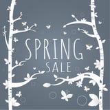 Papel e árvore da venda da mola Folhas Borboleta branco no gra escuro Fotos de Stock