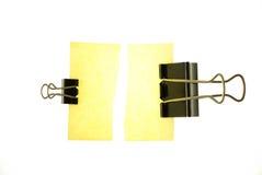 Papel e grampos de nota Foto de Stock