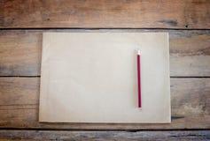 Papel e lápis velhos Fotos de Stock Royalty Free