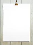 Papel em branco com grampo Fotografia de Stock