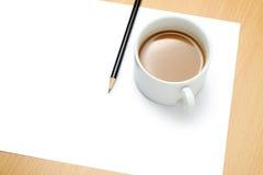 Papel em branco, copo de café e lápis Imagens de Stock Royalty Free