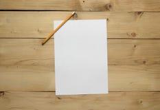 Papel em branco e lápis Fotografia de Stock