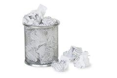 Papel em uma cesta do lixo Fotografia de Stock