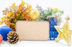 Papel en blanco de la etiqueta y la Navidad de la decoración Fotografía de archivo