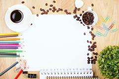 Papel en blanco y efectos de escritorio Fotografía de archivo libre de regalías