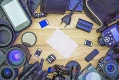 Papel fotográfico y apilado en un marco Imagen de archivo libre de regalías