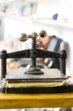 Papel handmade de fabricação Fotos de Stock Royalty Free